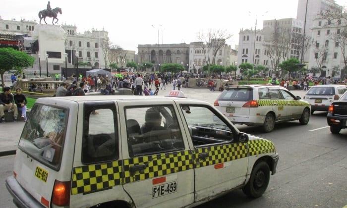 colectivo-taxi-compartido-lima-peru-espanol